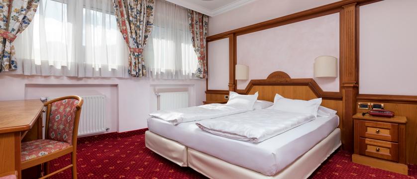 italy_dolomites-ski-area_arabba_sport_hotel_arraba_standard_room.jpg